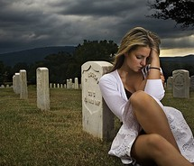 woman-by-grave